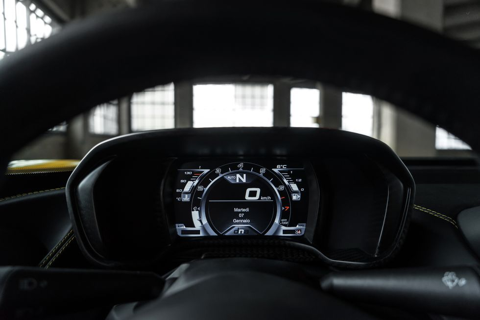 2020 alfa romeo 4c spider infotainment display