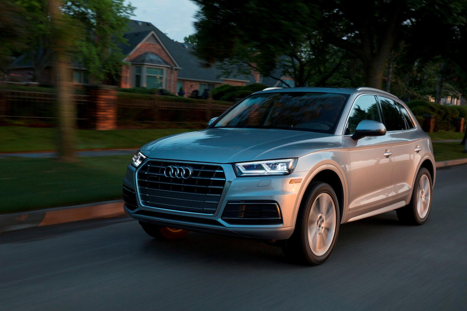 2020 Audi Q5 SUV Front View