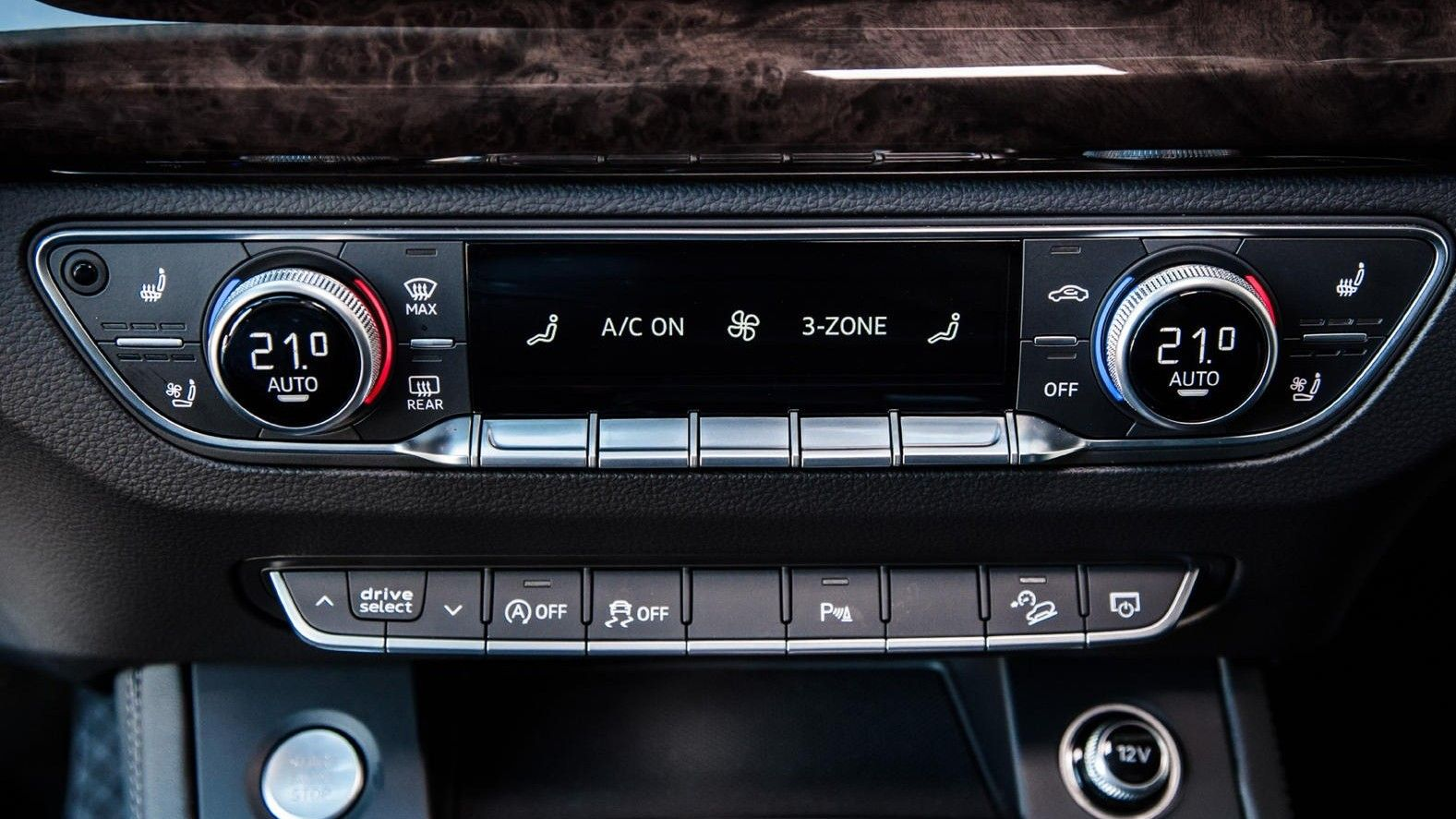 2020 Audi Q5 SUV Infotainment Display