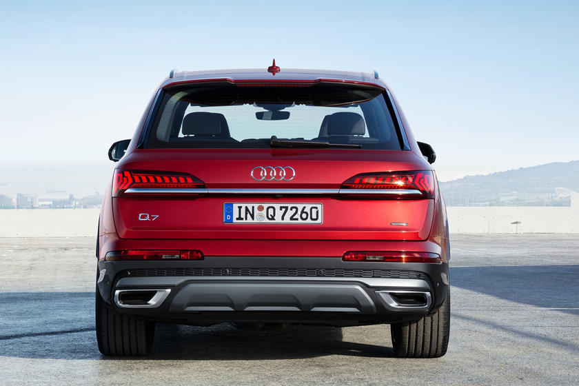 2021 Audi Q7 SUV Rear View