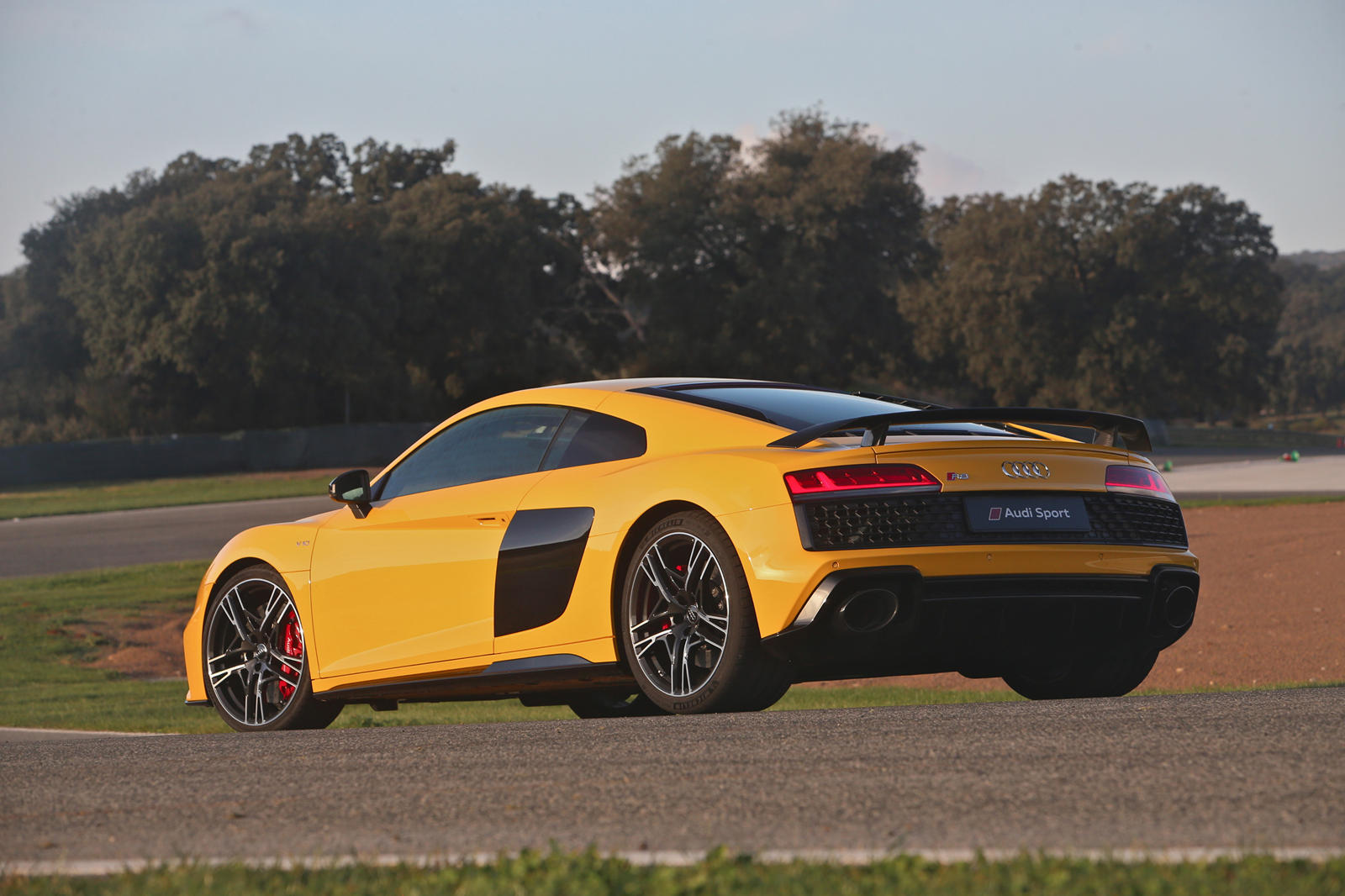2020 Audi R8 Coupe Front view