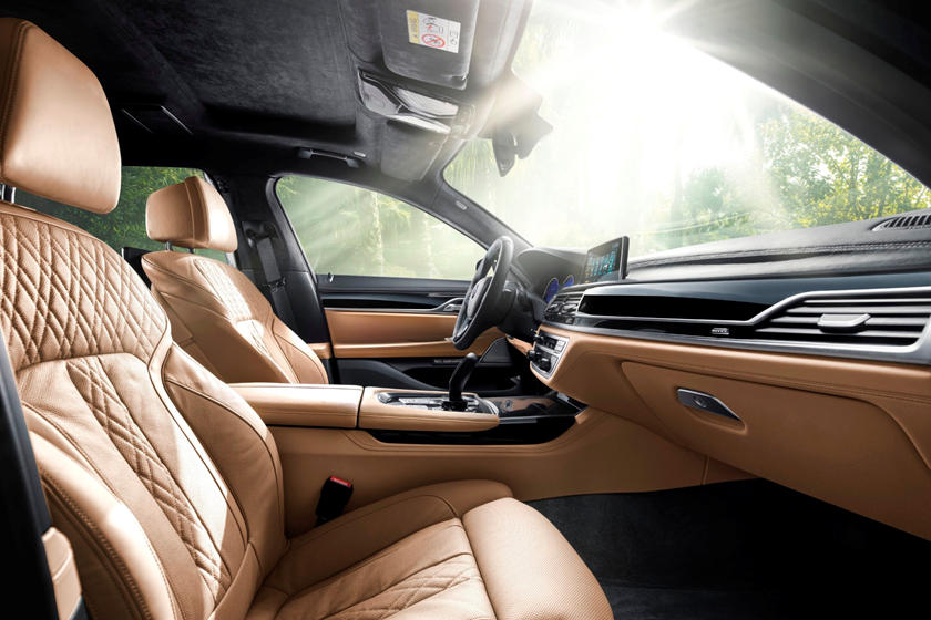 2020 BMW ALPINA B7 Sedan Front Seats