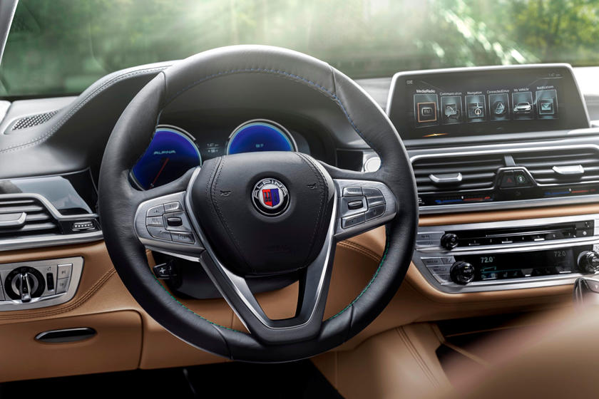 2020 BMW ALPINA B7 Sedan Steering