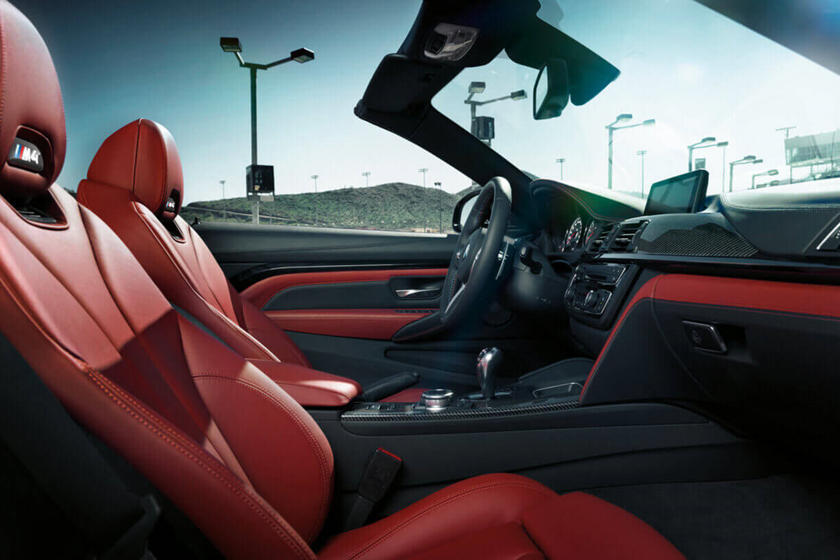 2020 BMW M4 Convertible Front Seats