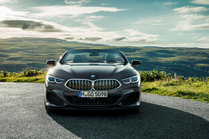 2021 BMW M850i Convertible front view