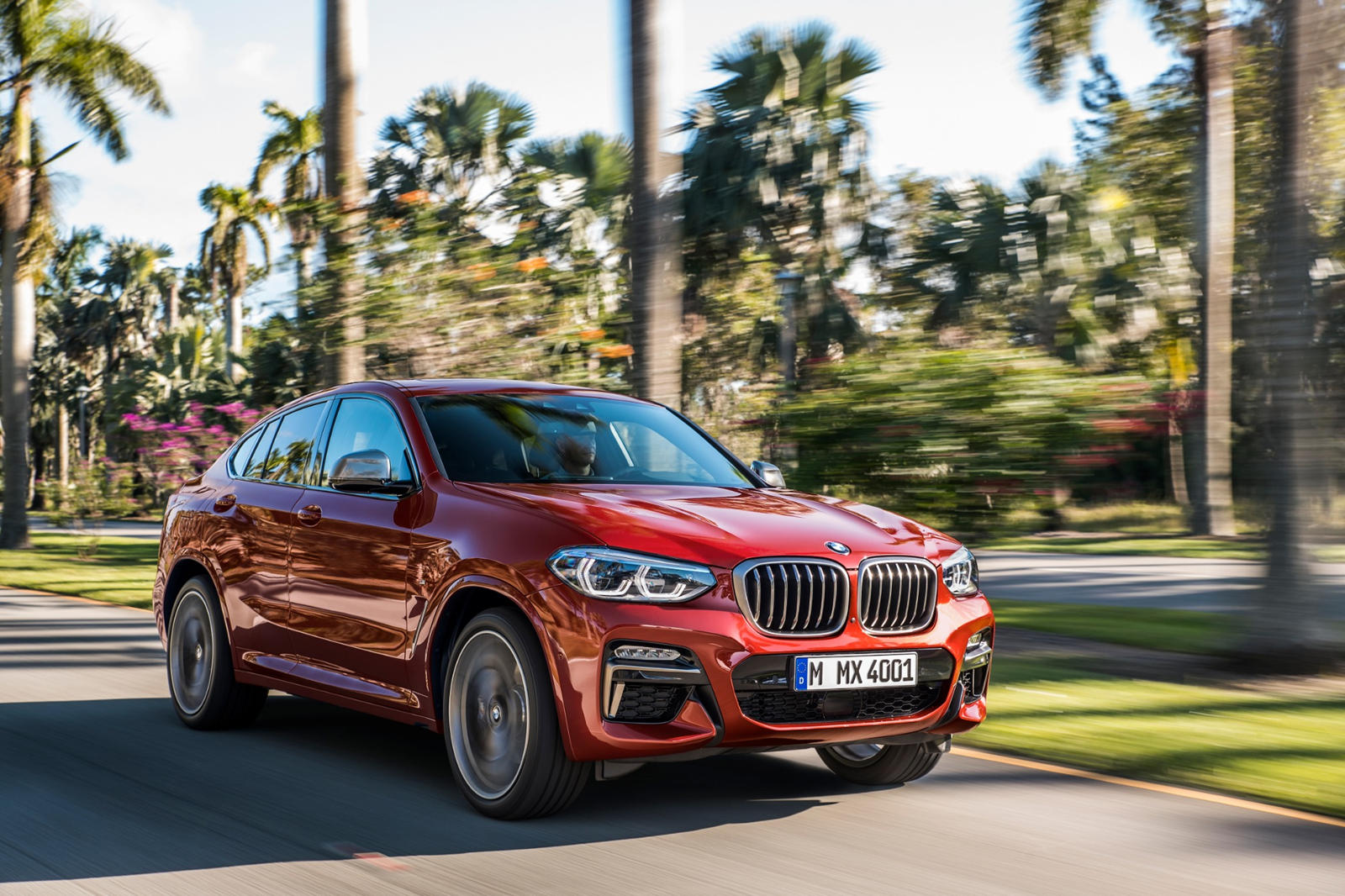 2020 BMW X4 SUV Front View