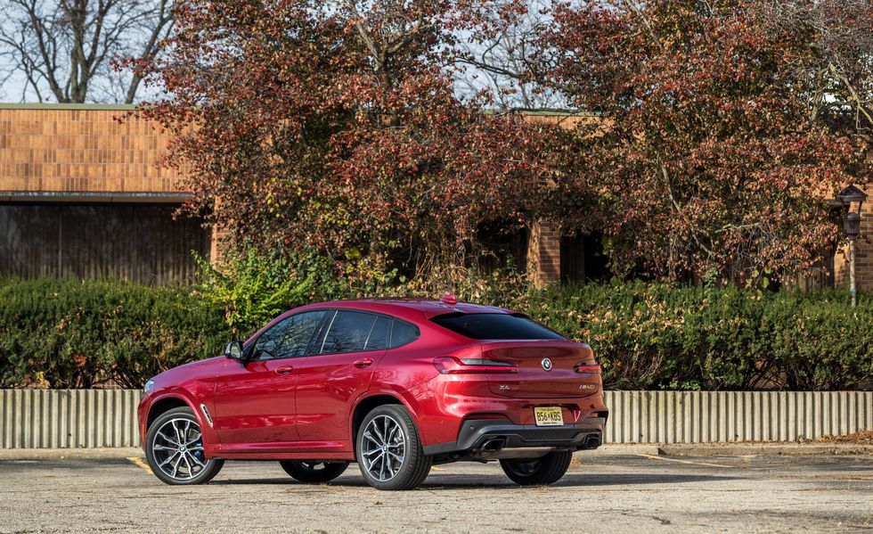 2021 BMW X4 rear third quarter view