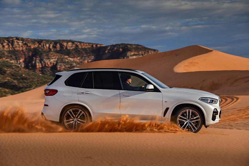 2020 BMW X5 SUV Side view