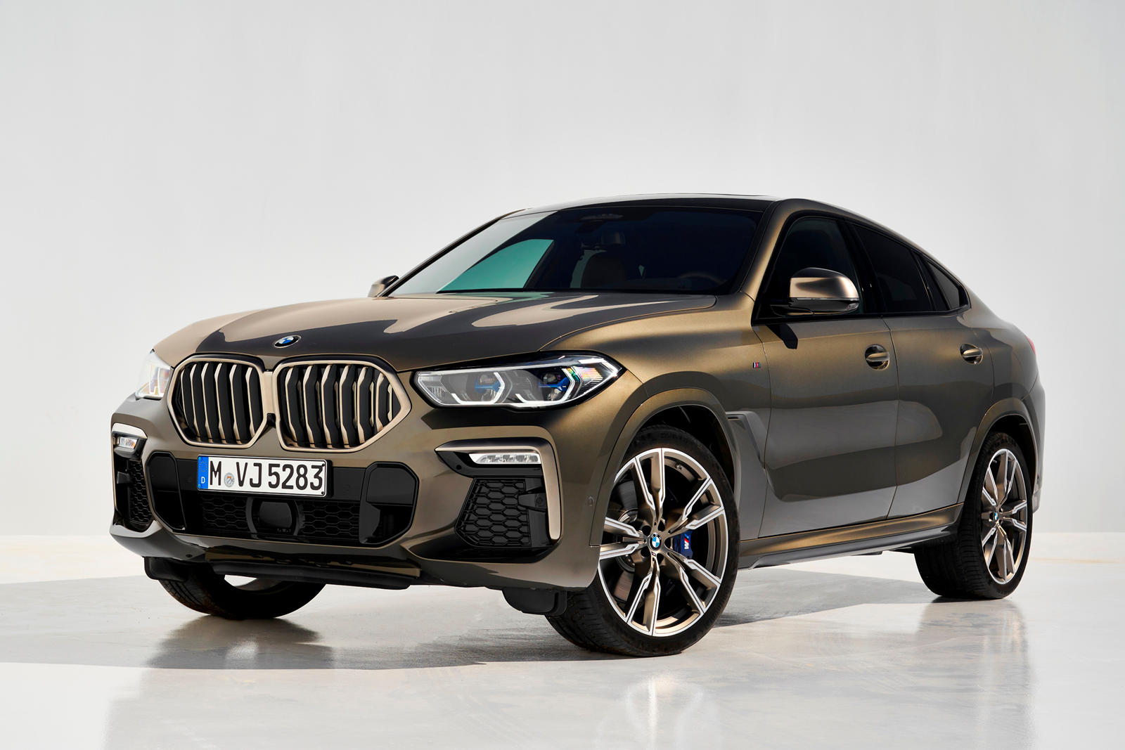 2020 BMW X6 SUV Front View