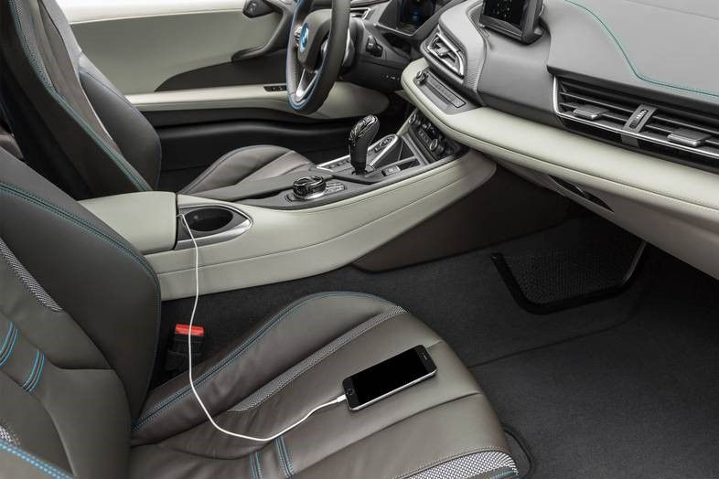 2020 BMW i8 Coupe  Front Seats