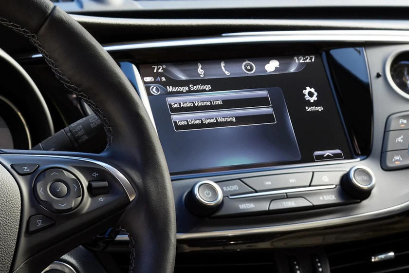 2020 Buick Envision SUV infotainment screen