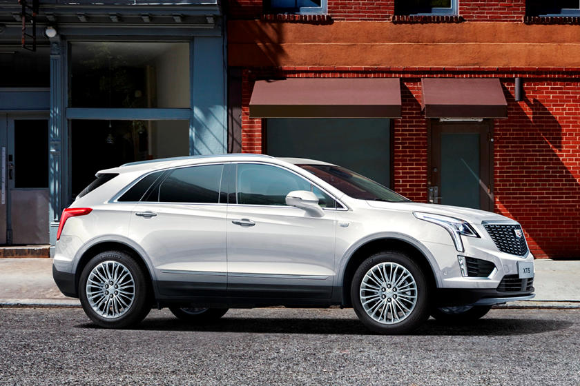 2020 Cadillac XT5 SUV Side View