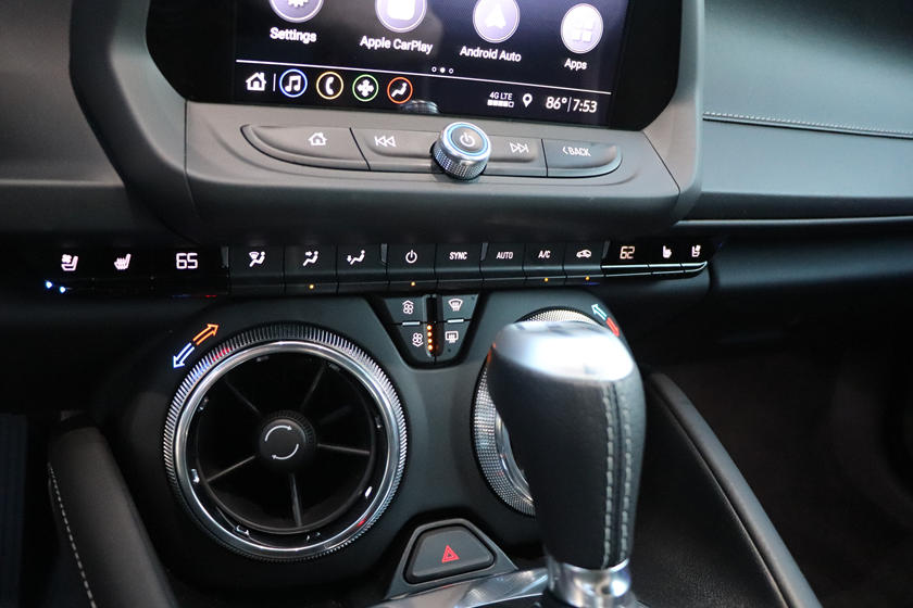 2020 Chevrolet Camaro Convertible Gear Shifter