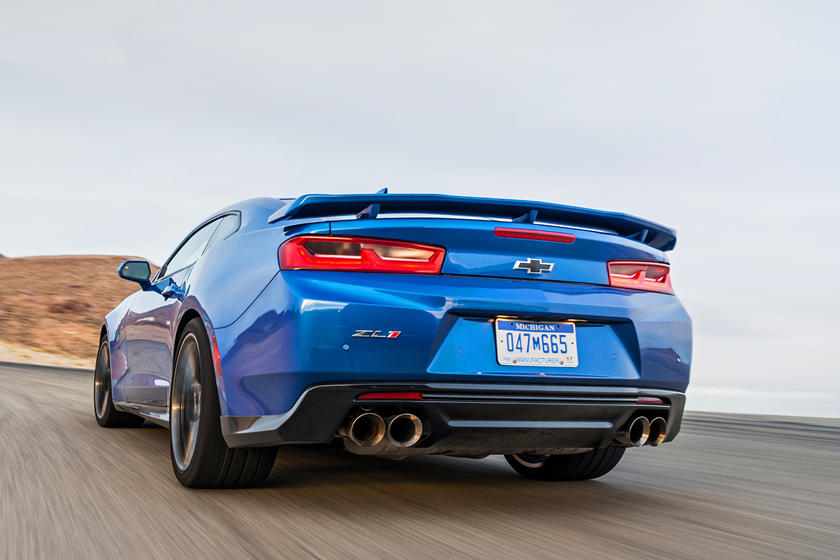 2021 Chevrolet camaro zl1 coupe rear view