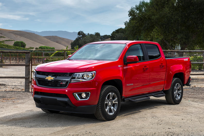 2020 Chevrolet Colorado diesel Crew Cab front angle view
