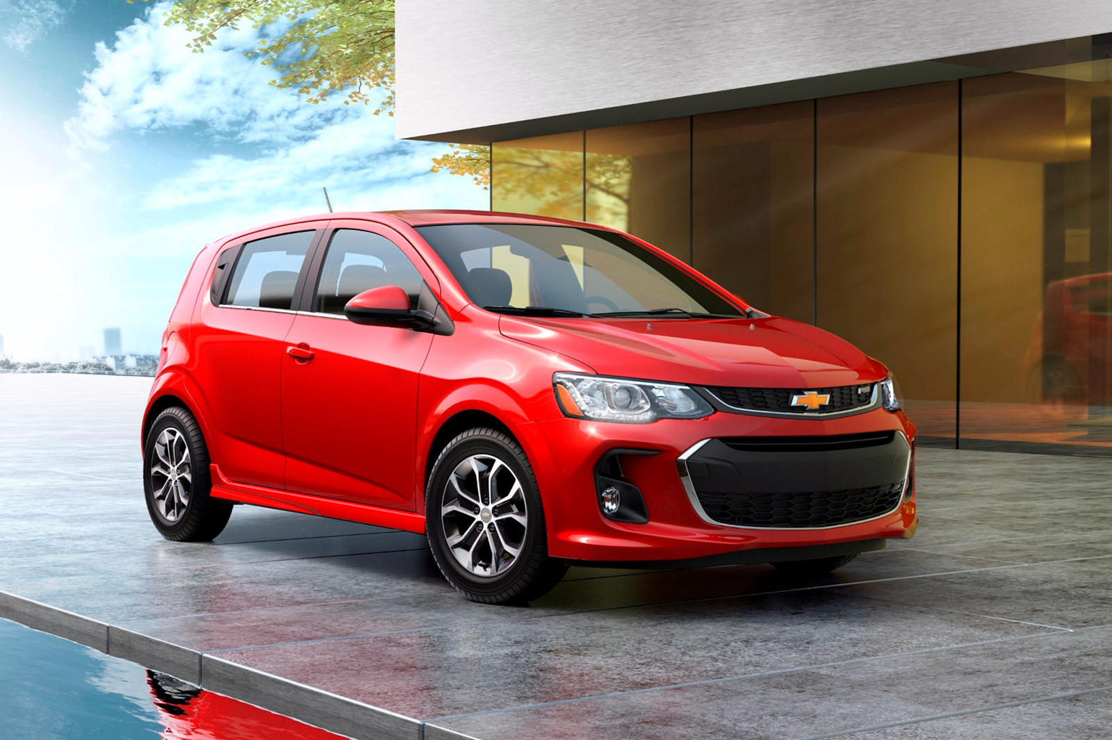 2020 Chevrolet Sonic Hatchback Front View