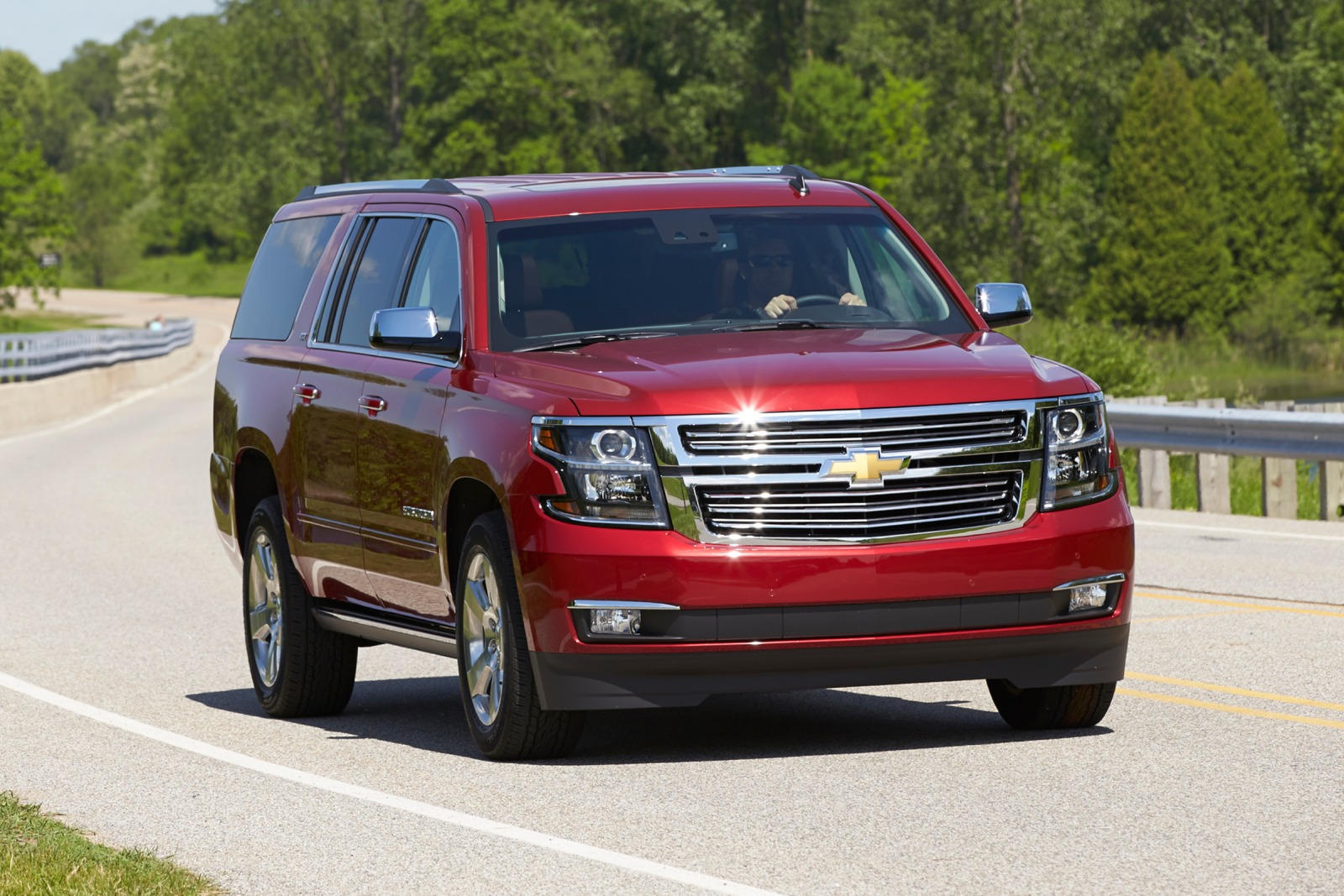 2020 Chevrolet Suburban SUV Front View
