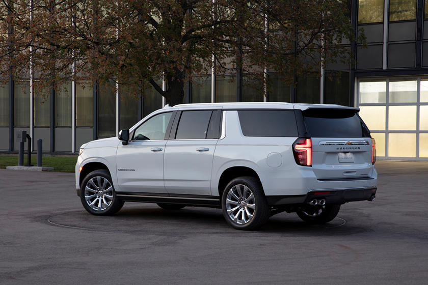 2021 Chevrolet Suburban Rear Third Quarter View