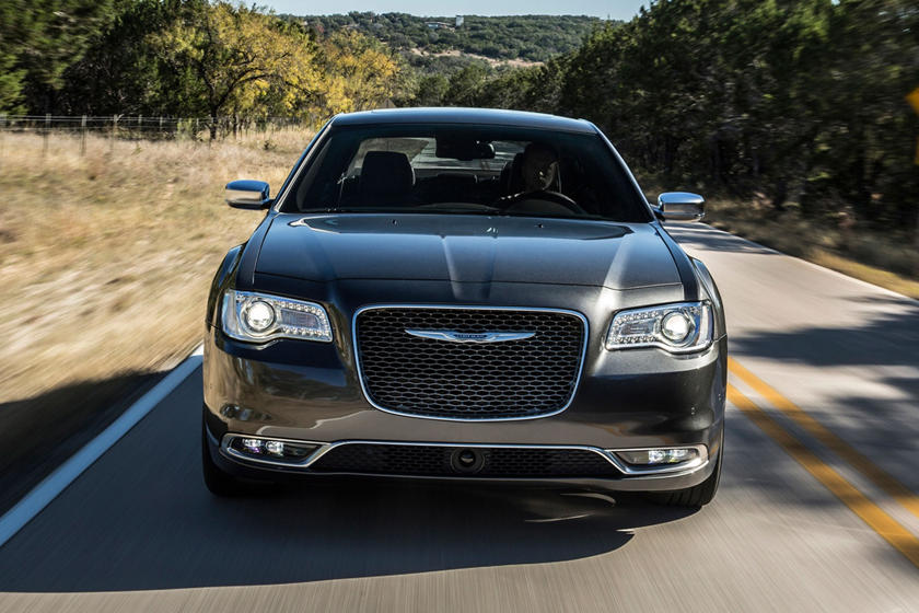 2020 Chrysler 300 Sedan Front View