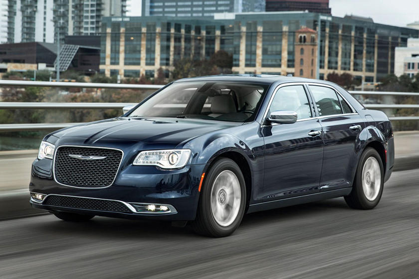 2020 Chrysler 300 Sedan Side View