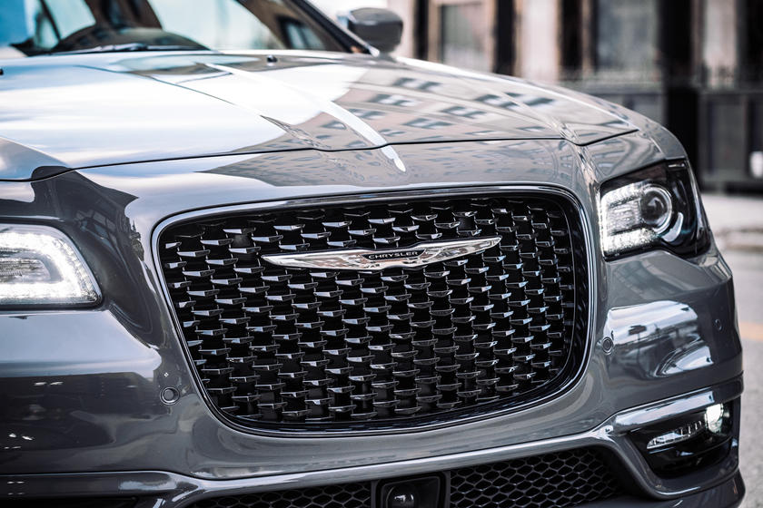 2020 Chrysler 300 Sedan Grill