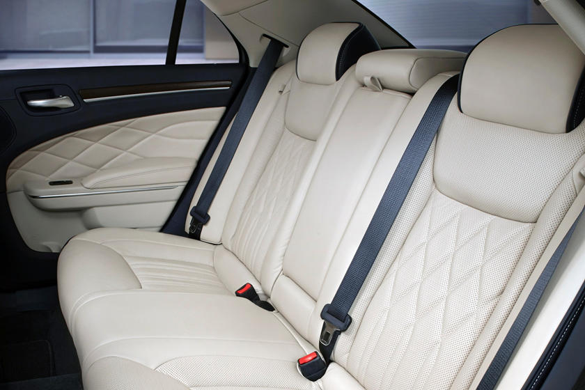 2020 Chrysler 300 Sedan Rear Seats
