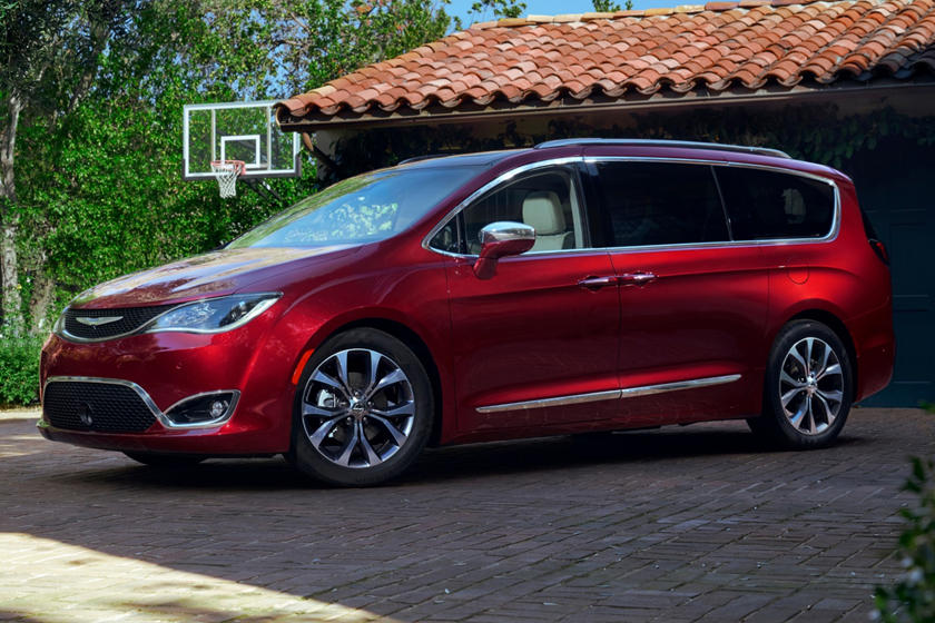 2019 Chrysler Pacifica Minivan Front Angle View