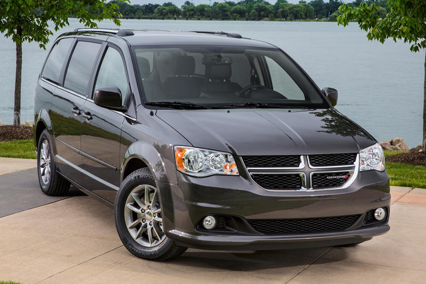 2020 Dodge Grand Caravan three quarter view