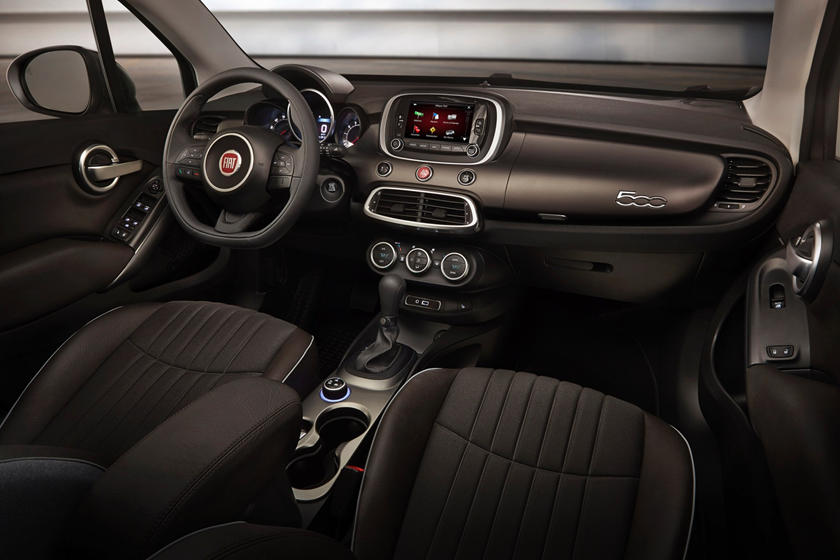 The 2020 Fiat 500X SUV Front Seats
