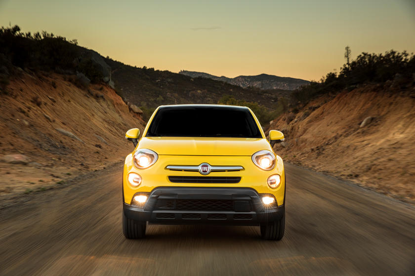 The 2020 Fiat 500X SUV Front View
