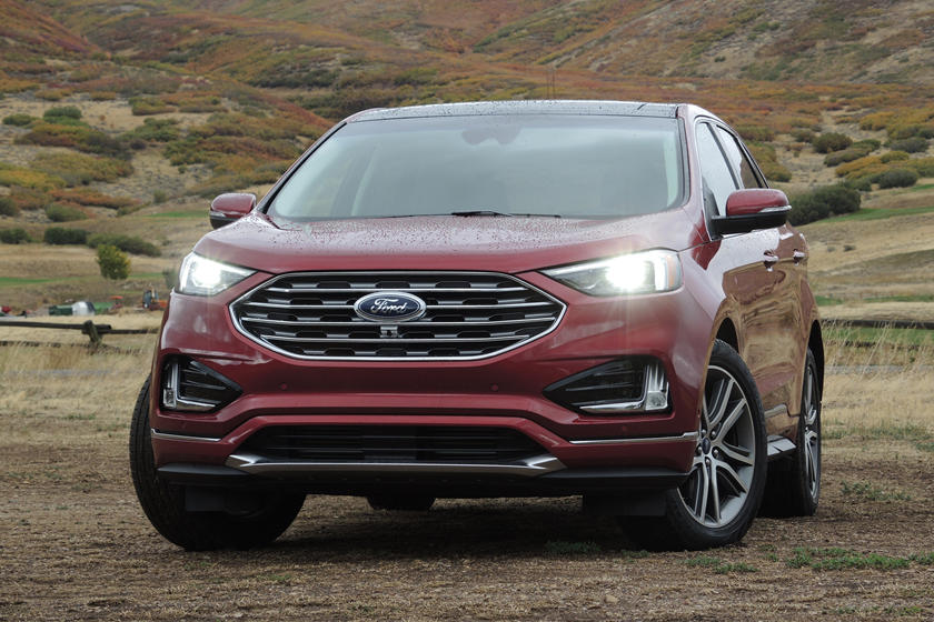 2020 Ford Edge SUV Front View