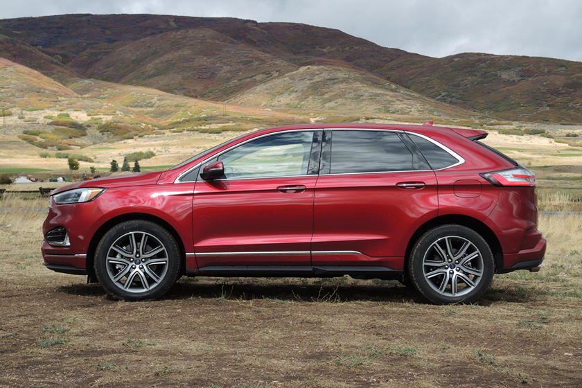 2020 Ford Edge SUV Side View