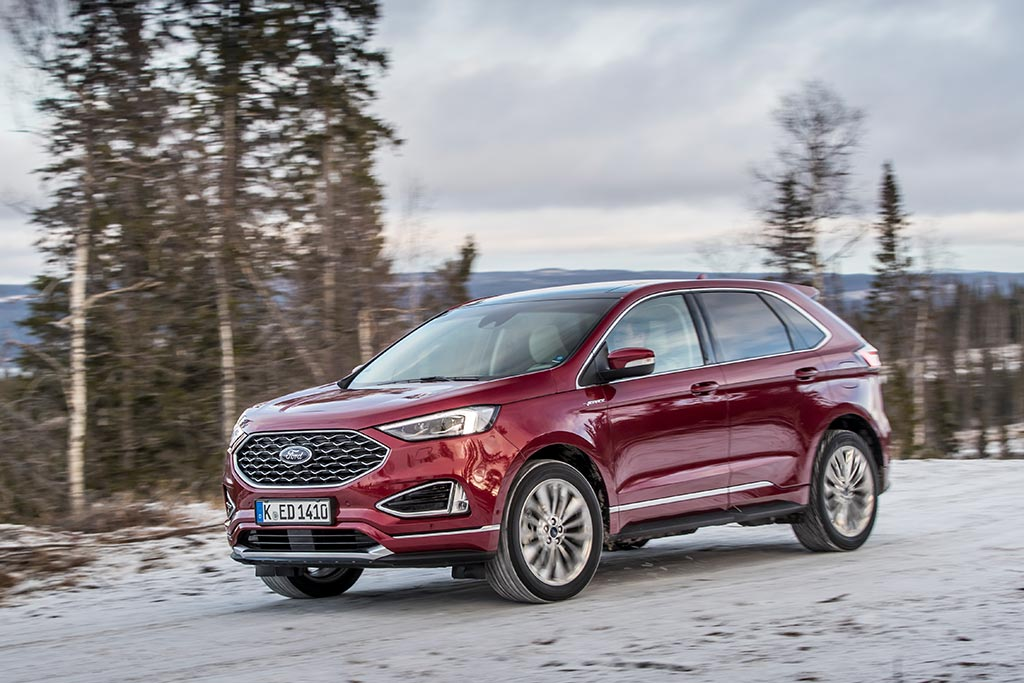 2021 Ford Edge SUV 3 Quarter Front View