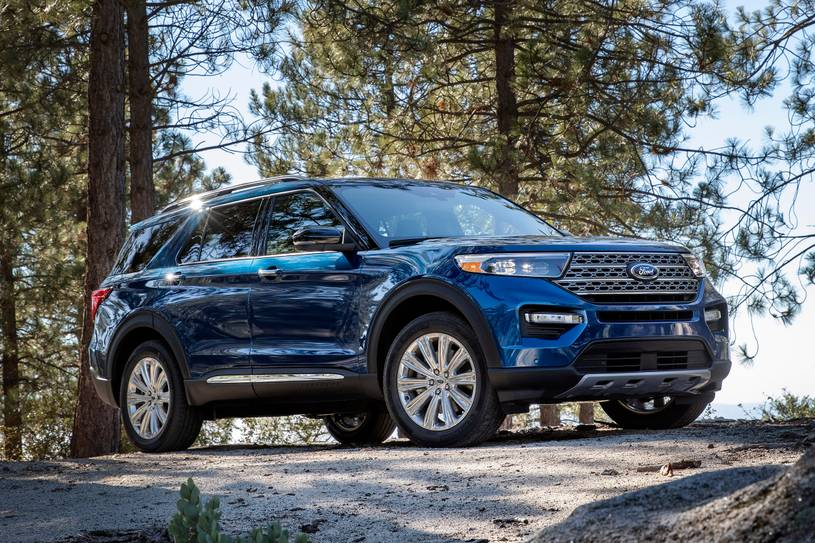 2020 Ford Explorer ST SUV 3rd Quarter view
