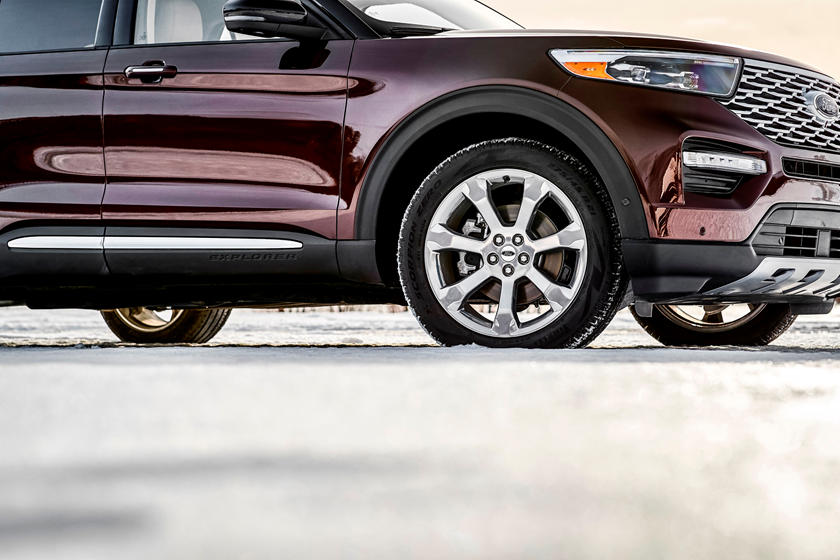 2020 Ford Explorer SUV Tire