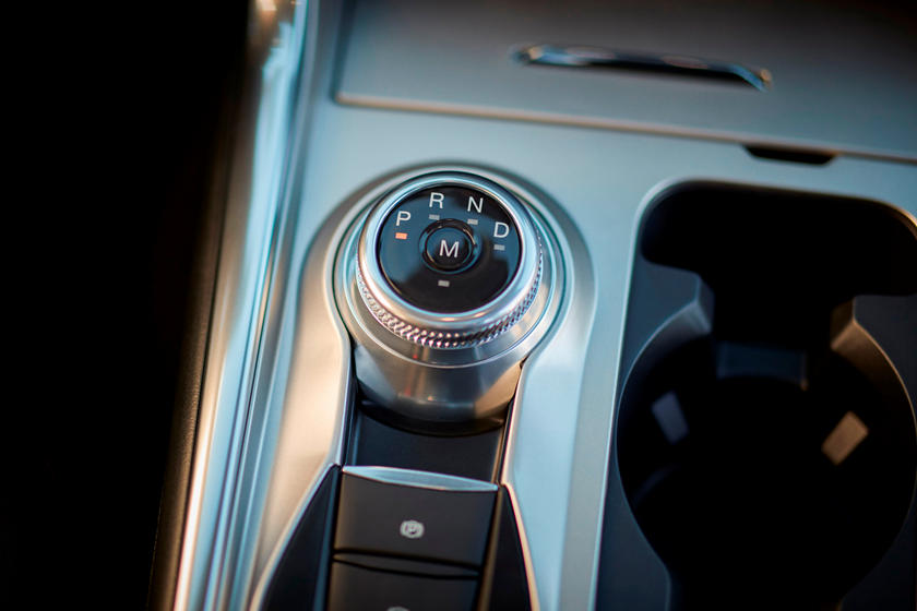 2020 Ford Explorer SUV Gearbox control
