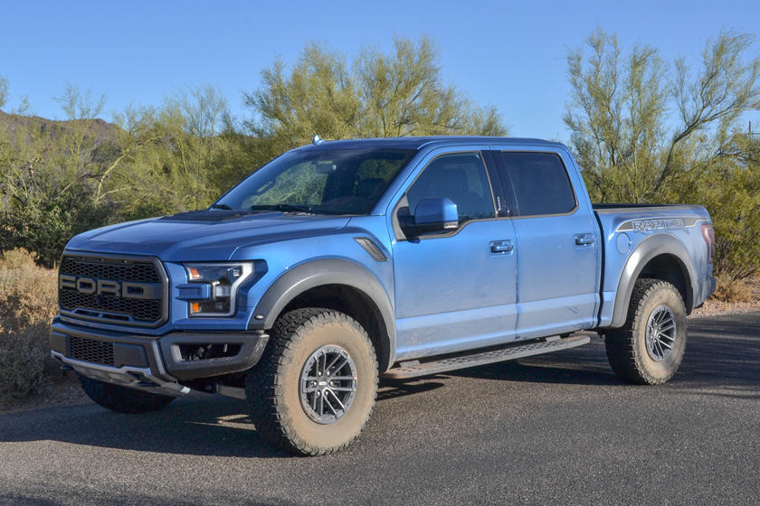 2020 Ford F-150 Raptor SuperCab Front View