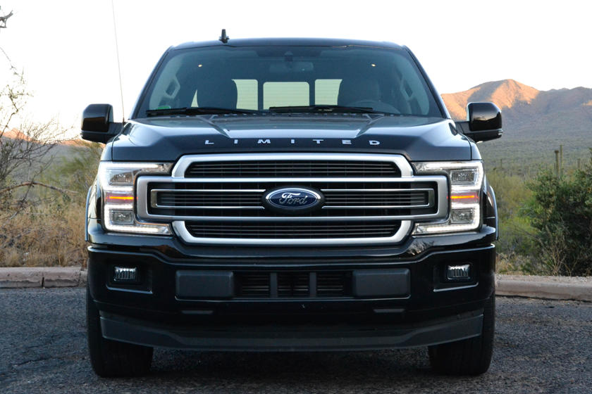 2020 Ford F-150 SuperCab front view