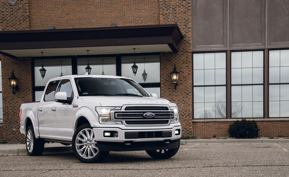 2020 Ford F-150 Super Crew Front View