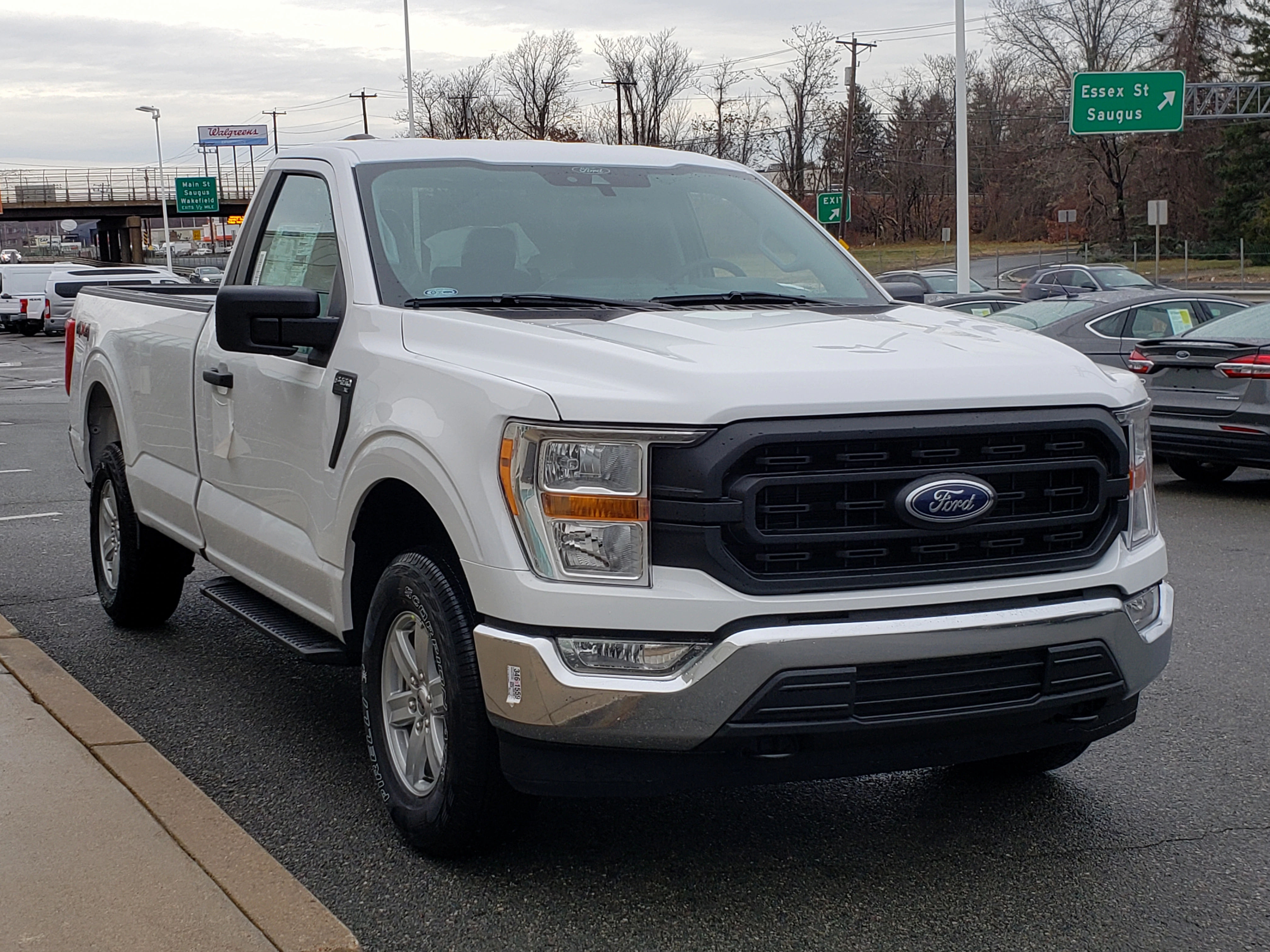 2022 Ford F-150 Regular Cab Front View