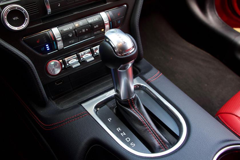 2020 Ford Mustang GT Convertible Gear Shifter