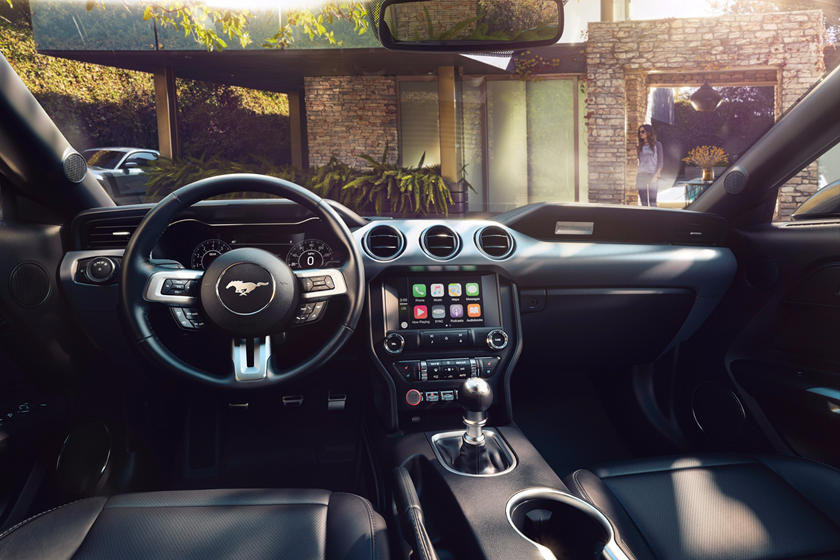 2020 Ford Mustang Coupe Dashboard
