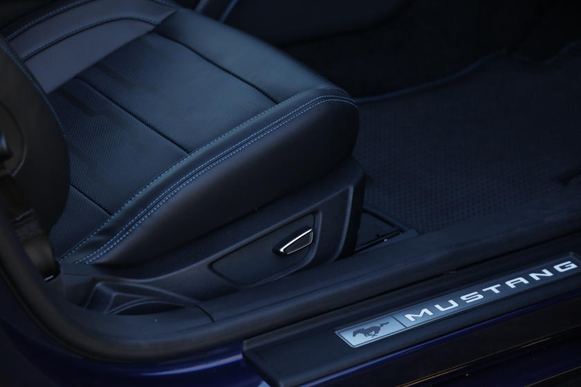 2020 Ford Mustang Coupe Seats