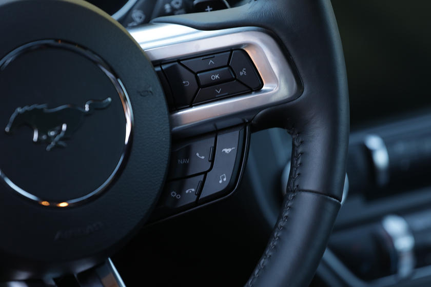2020 Ford Mustang Coupe Steering wheel