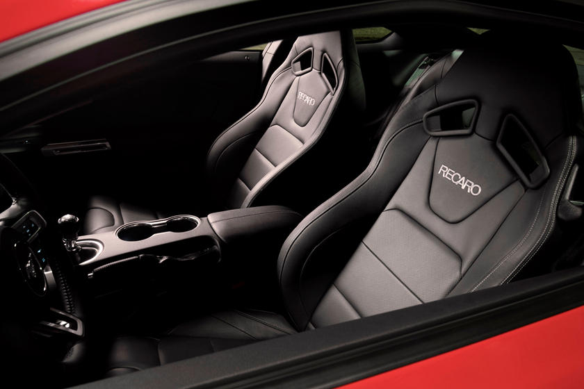 2020 Ford Mustang Coupe Front seats
