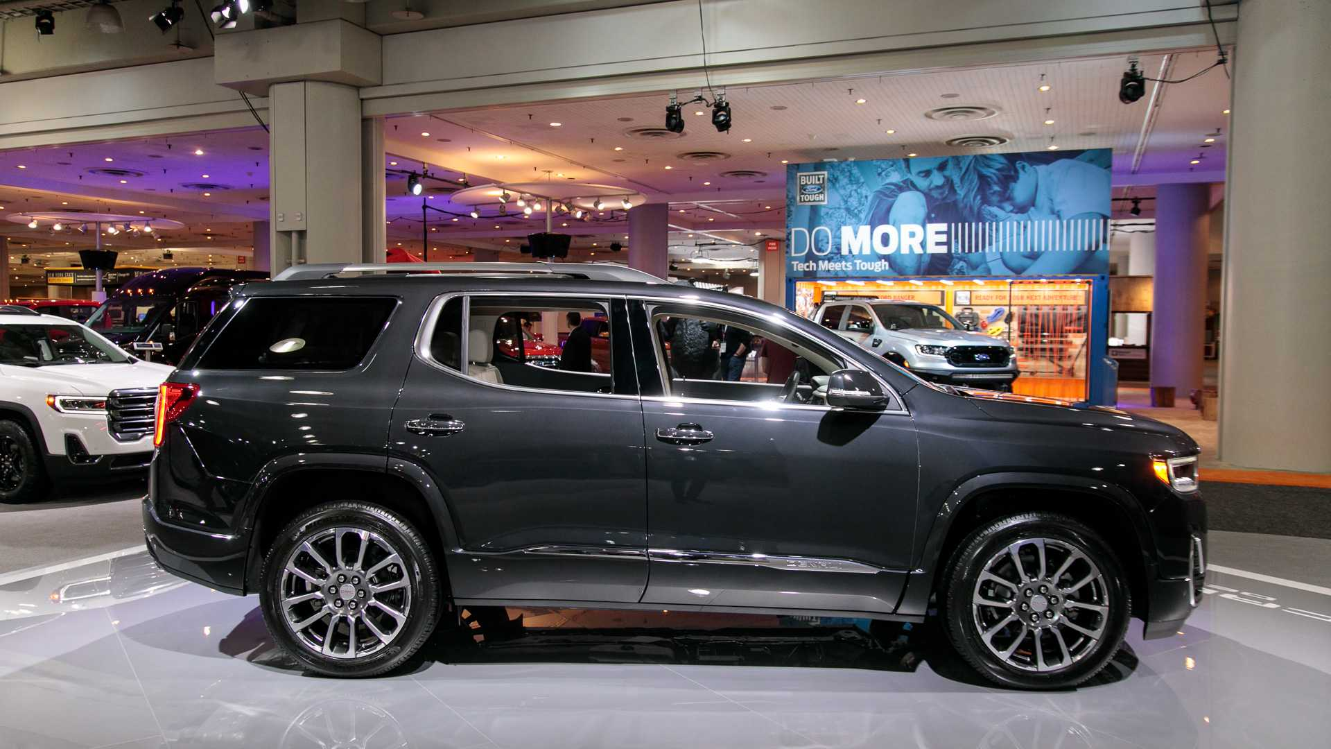 2020 GMC Acadia SUV Side View