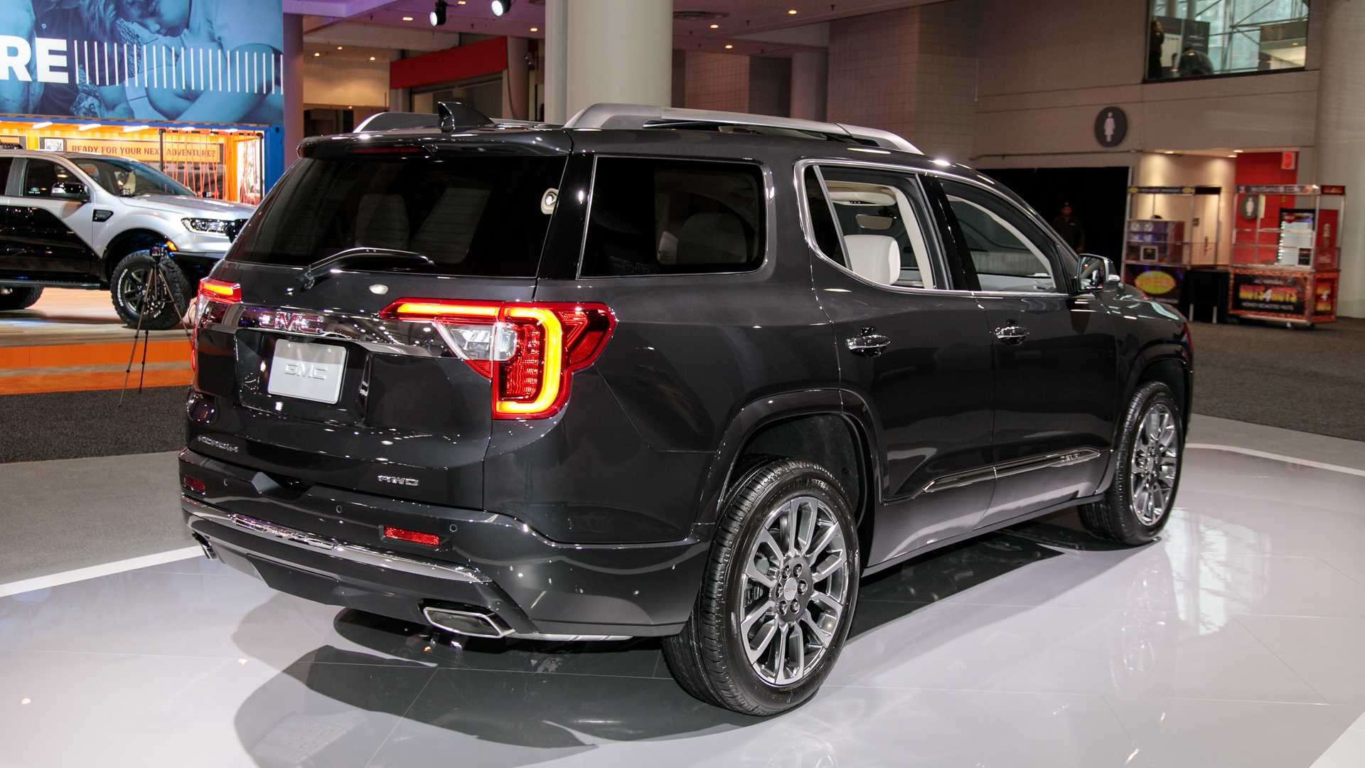 2020 GMC Acadia SUV Rear View