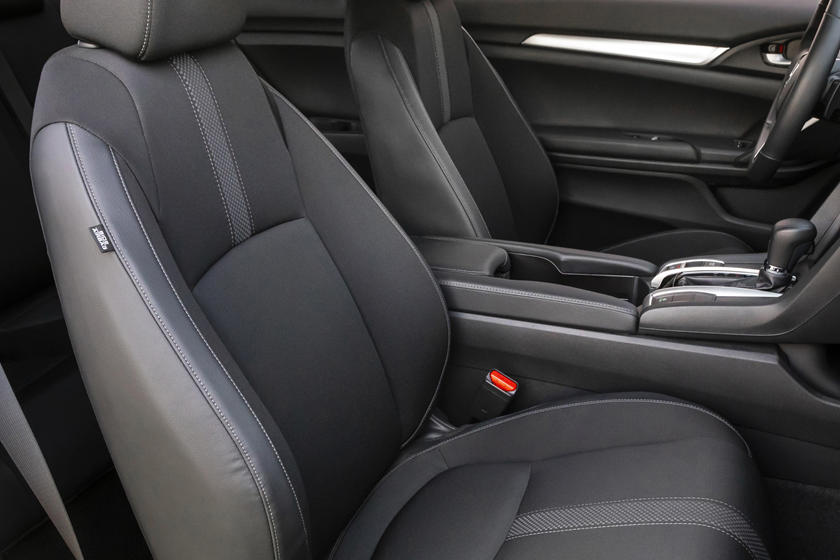 2020 honda civic coupe front seat
