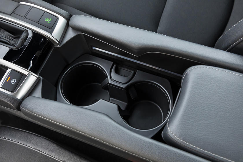 2020 honda civic coupe cupholder