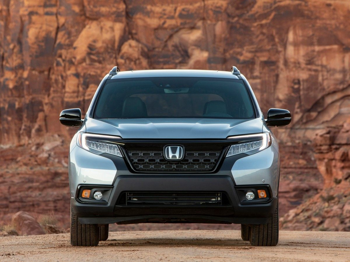 2020 Honda Passport SUV Front View